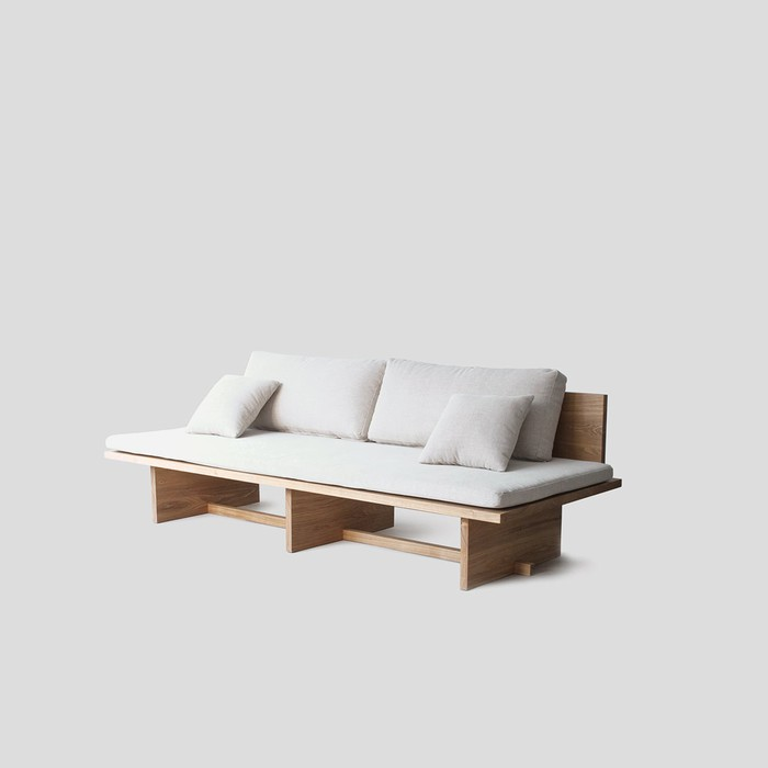 Blank Day-Sofa by Munito