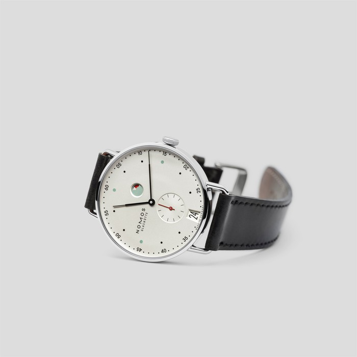 Metro Date Power Reserve by Nomos